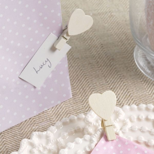 Ivory Wooden Heart Pegs (20)